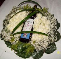 send white roses and wine to turkey
